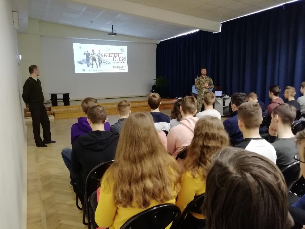 NBS pārstāvji viesojās Austrumlatvijas Tehnoloģiju vidusskolā