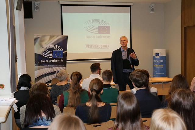 """ATV jaunieši EP Vēstniecības skolu seminārā """"Ilgtspējai!"""""""