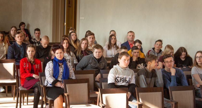 """ATV skolēni gūst panākumus RTA Informācijas dienas orientēšanās spēlē """"Atrodi, uzzini, izvēlies!"""""""