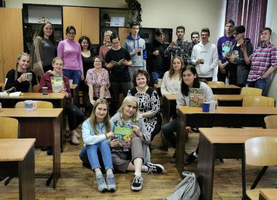 """ATV skolēni un skolotāji izgaršo ārstnieciskās tējas eTwinning projekta """"A flower that heals"""" ietvaros"""